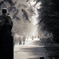 памятники большой и маленький :: Николай Семёнов