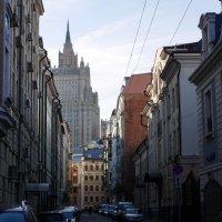 Улицы московские...Кривоарбатский переулок :: Наталья Rosenwasser