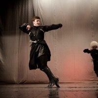 Горячий Танец :: Азамат Битаров