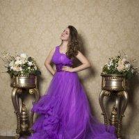 Дама в платье :: Виктор Зенин