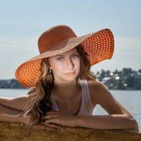 Девушка в шляпе :: Олег Дроздов