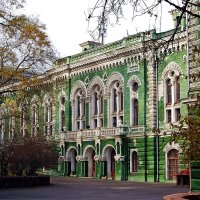 Университетский двор :: Александр Корчемный