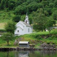 Сельская церквушка :: Николай Танаев