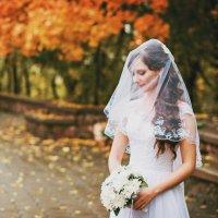 Осенняя невеста :: Марина Шавловская