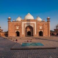 Индия.Мечеть комплекса Тадж-Махал :: юрий макаров