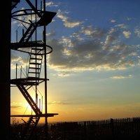 Лестница в небо. :: Александр Карманов