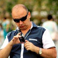 ...просмотр фотографий.... :: Дмитрий Иншин