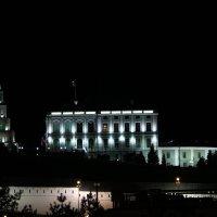 Падающая Башня и президентский дворец :: Иля Григорьева