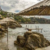 Одинокие зонтики :: Marina Talberga