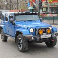 Синий джип у бистро :: Дмитрий Никитин
