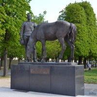 Париж, памятник русскому экспедиционному корпусу, сражавшемуся во Франции в 1916-1918 г. :: Lüdmila Bosova