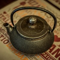 Чайничек в ресторанчике :: Виктор Мальгин