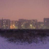 Вечерний свет  снежного города..... :: николай постернак