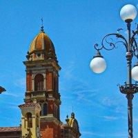 Улица, фонарь, святыни... :: M Marikfoto