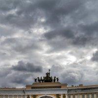 Триумфальная арка на Дворцовой площади :: Галина Galyazlatotsvet
