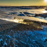 Закат.   Амур скован льдом. :: Поток