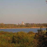 Волга. Вид на Николо-Погост. :: Павел Зюзин