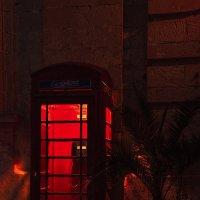 Красная будка :: Дмитрий Близнюченко