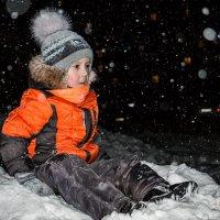 Вечер. Снегопад. Прогулка. :: Сергей Щелкунов