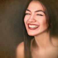 """""""Никогда не переставай улыбаться, даже когда тебе грустно, кто-то может влюбиться в твою улыбку :: Катерина Демьянцева"""