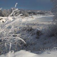 Замёрзли озёра,стоят холода,зима постепенно вступает в права... :: Александр Попов