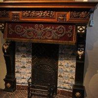 Камин в спальне дома Рубенса :: Елена Павлова (Смолова)
