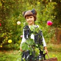 Виноградная девочка :: Татьяна