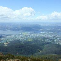 Вид с горы Веллингтон на столицу Тасмании-Хобарт :: Антонина