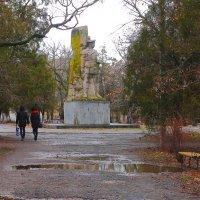 Дождик в парке :: Юрий Гайворонский