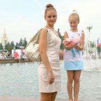 когда мама как дочка :: Олег Лукьянов