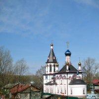 Церковь у Плещеева озера :: Larisa Ereshchenko