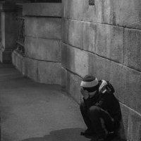 Мальчик, город, ночь :: Евгения Ки