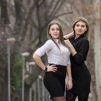 Ульяна и Настя :: Денис Финягин