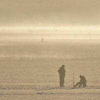 Зимняя рыбалка. :: Исаков Александр