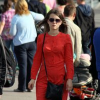 красное платье :: Олег Лукьянов