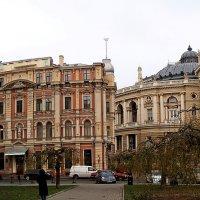 Оперный и дом Навроцкого :: Александр Корчемный