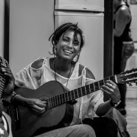 ***Девушка с гитарой. :: mikhail grunenkov