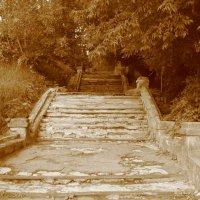Лестница в прошлое... :: Дмитрий