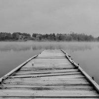 А на том берегу - другая жизнь, но нам туда не дойти... :: Валентина Данилова