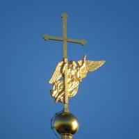 Ангел на Петропавловском соборе :: Вера Щукина