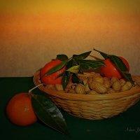 Мандарины и арахис :: Nina Yudicheva