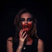В одной комнате с призраками :: Катерина Журавлева