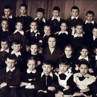Фото на память. 1956 год :: Нина Корешкова