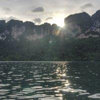 Закат на озере :: Игорь Максименко