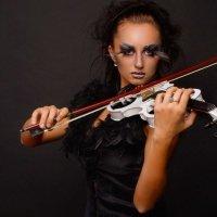 Черный лебедь :: Ванда Азарова