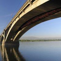 Коммунальный мост, г.Красноярск :: Владимир