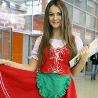 девичья краса не только в наряде :: Олег Лукьянов