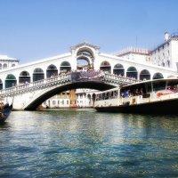 В сиянии дня. Мост Риальто, Венеция. Гранд канал. :: Ирина Сивовол