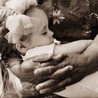 Бабушкины руки мягче снега ... :: Евгений Юрков