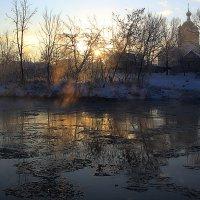 зимний день на реке Тихвинке :: Сергей Кочнев
